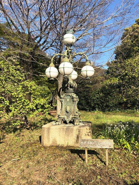 皇居石橋旧飾り電灯
